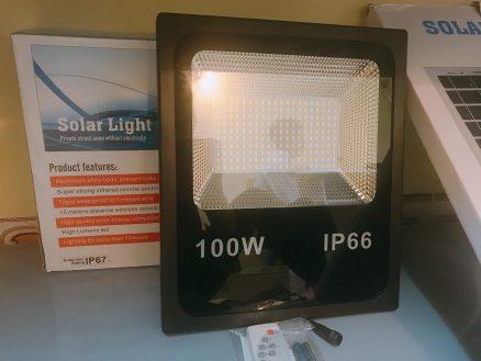 Đèn năng lượng mặt trời cao cấp