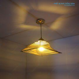 đèn gỗ hình kim tự tháp đẹp ht641